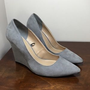 NEW Express faux suede grey wedge pumps size 9